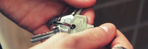 Es obligatorio practicar retención al propietario del local alquilado