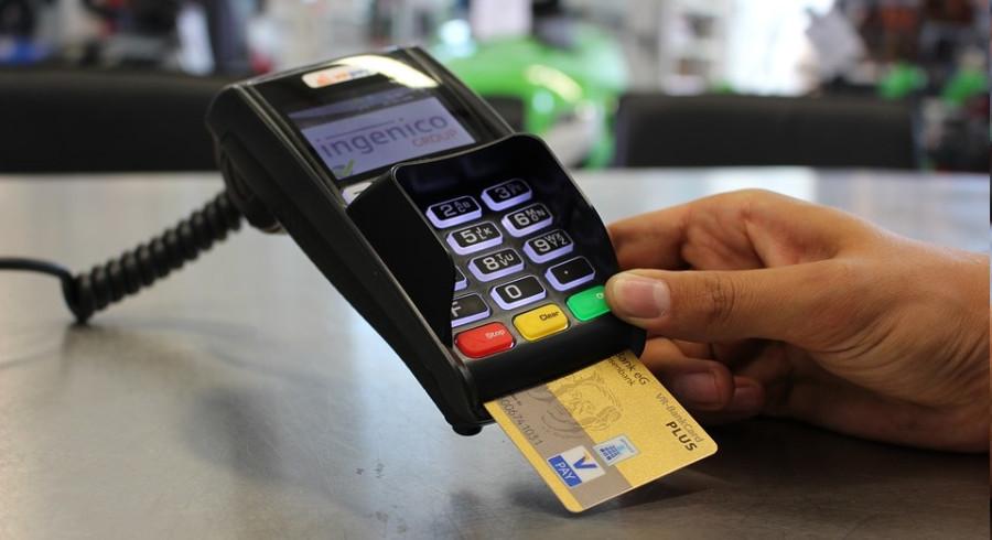 ¿Llevan IVA las comisiones del TPV? - Hostelería Madrid