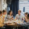 Por qué cada etapa de la experiencia gastronómica es social - La Viña