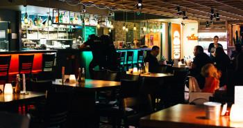 El nuevo Catálogo de Espectáculos legaliza el envío de comida a domicilio, el hilo musical y la tv - Hostelería Madrid