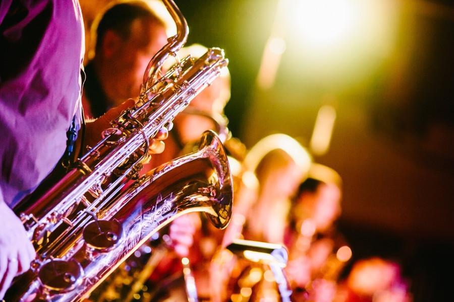 ¿Se pueden deducir los costes de los espectáculos en vivo? - Hostelería Madrid