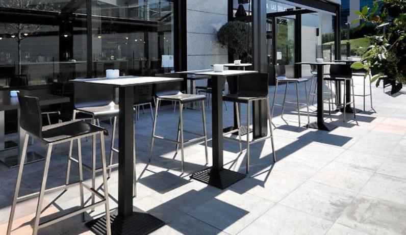 LA VIÑA pide que se permitan las mesas altas anexas al local cuando no pueda tener terraza - La Viña