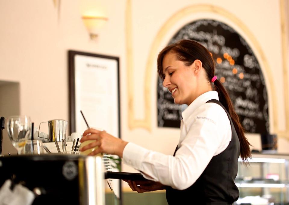 Los 10 riesgos laborales más frecuentes en hostelería - La Viña