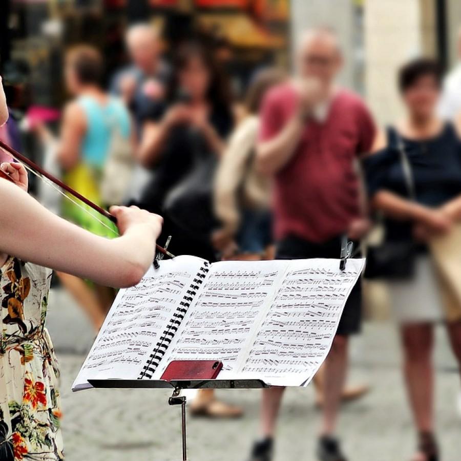 Los límites de la música callejera en el Distrito Centro de Madrid - Hostelería Madrid