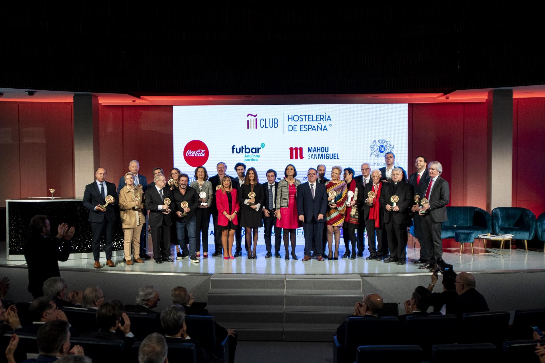 Los Premios Nacionales de Hostelería reconocen a 16 figuras y proyectos por su compromiso con áreas como la innovación, la RSC y la sostenibilidad - La Viña