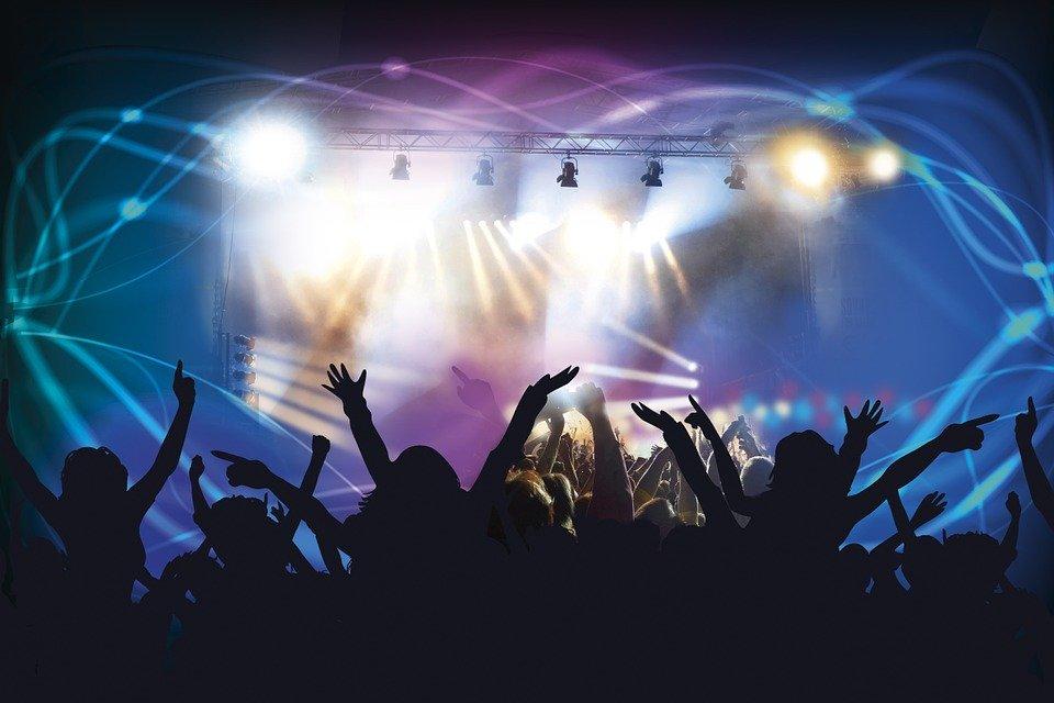 Los bares especiales, salas de fiesta, discotecas o cafés espectáculo, podrán solicitar terraza hasta que alcancemos la Fase 3 - La Viña