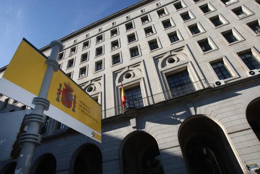 Patronal y sindicatos alcanzan un consenso sobre los ERTES - La Viña