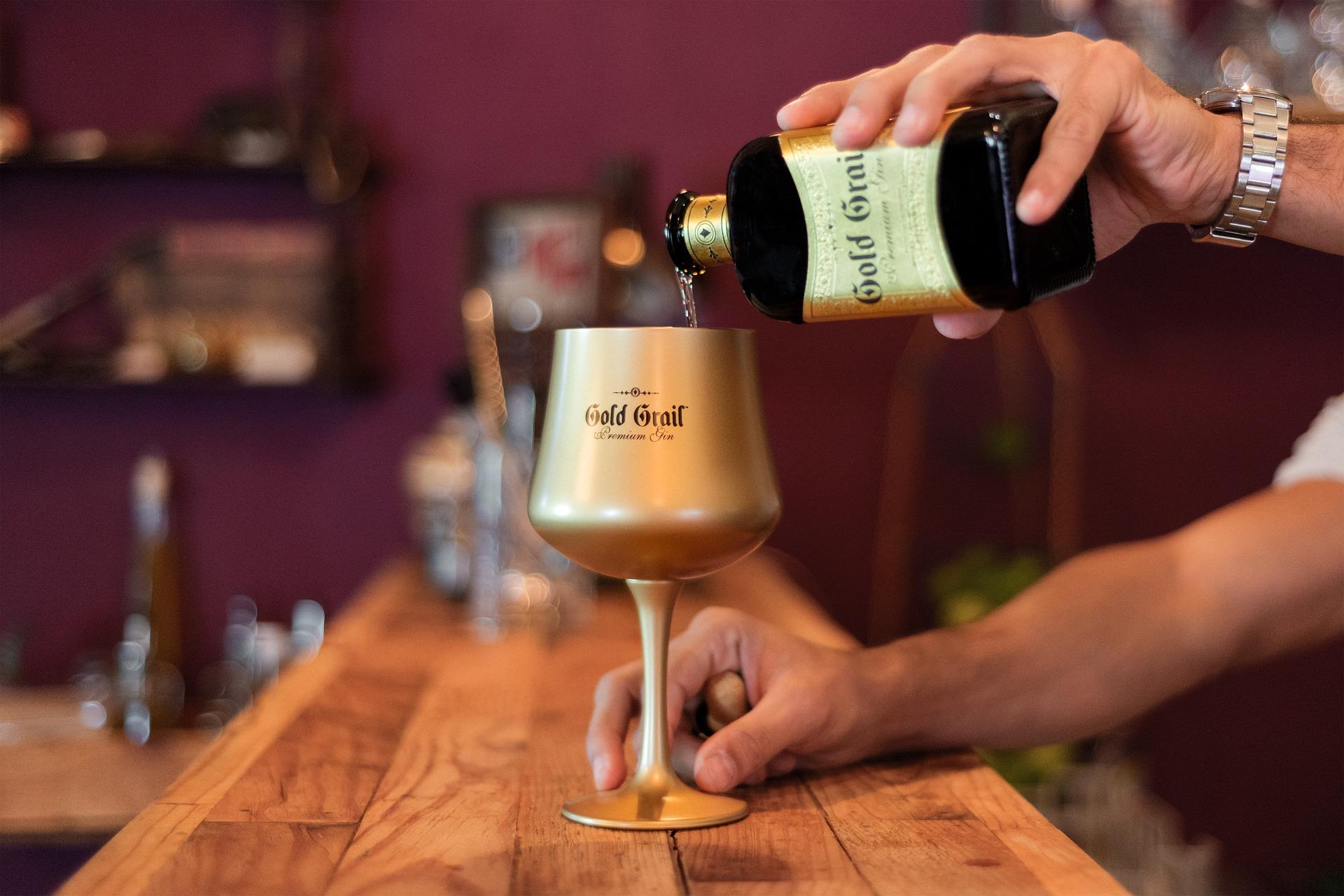 Los bares de copas y discotecas podrán abrir en Fase 3 con un tercio del aforo - La Viña