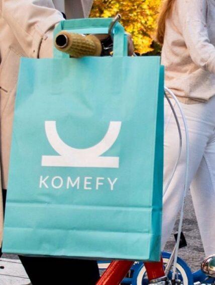 Komefy prioriza la seguridad en su nueva versión e introduce un sistema para evitar esperas en la recogida de alimentos