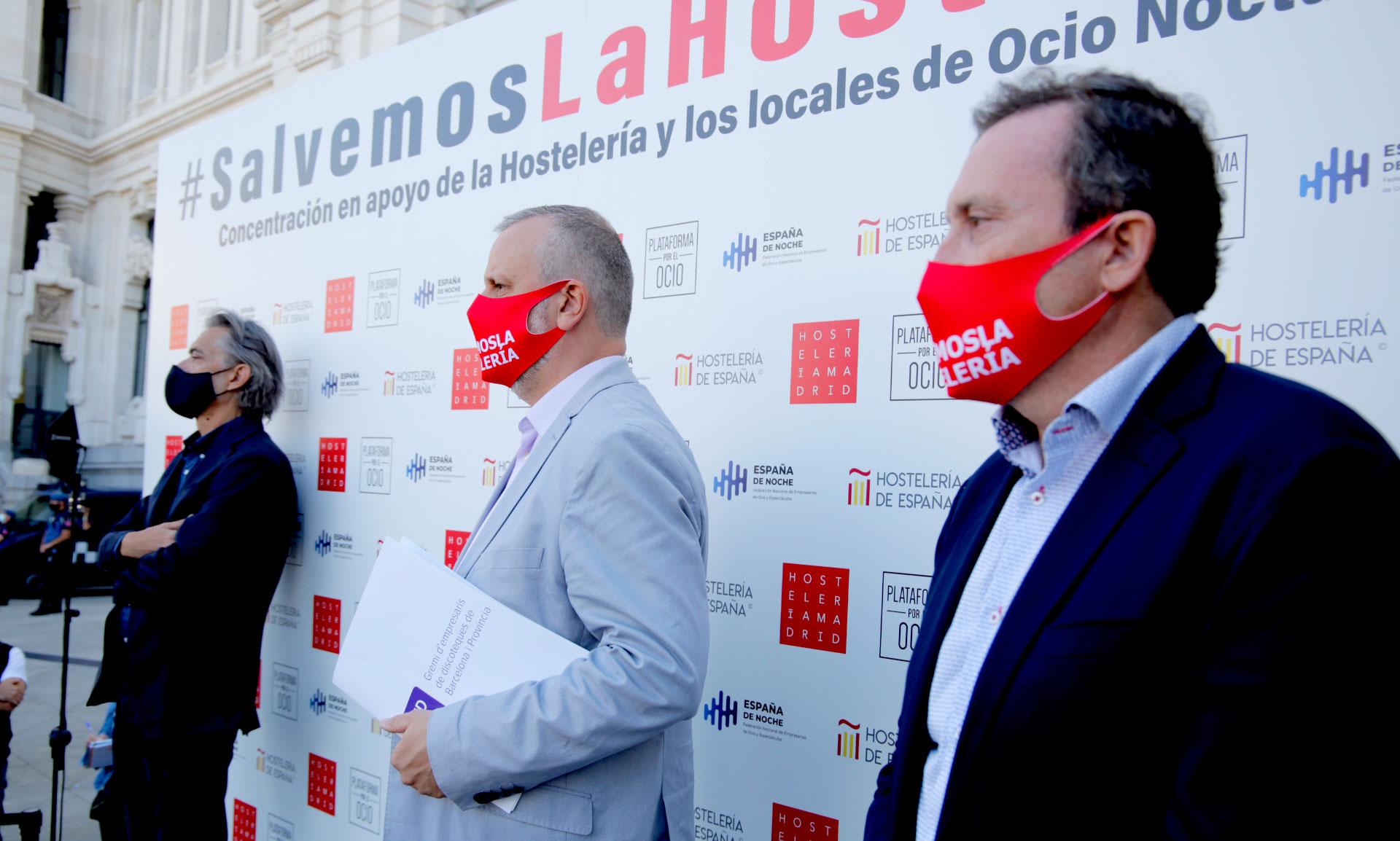 Almeida concede la bonificación del 100% de la tasa de terrazas tras la concentración de protesta de ayer - La Viña