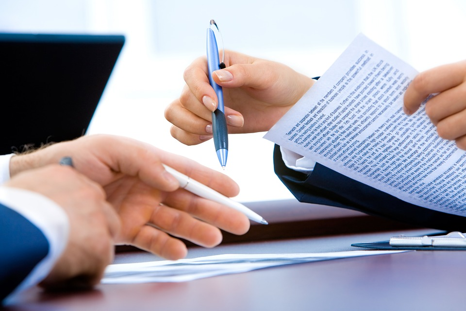 ¿Cómo solucionar un conflicto laboral sin acudir a los juzgados? - La Viña