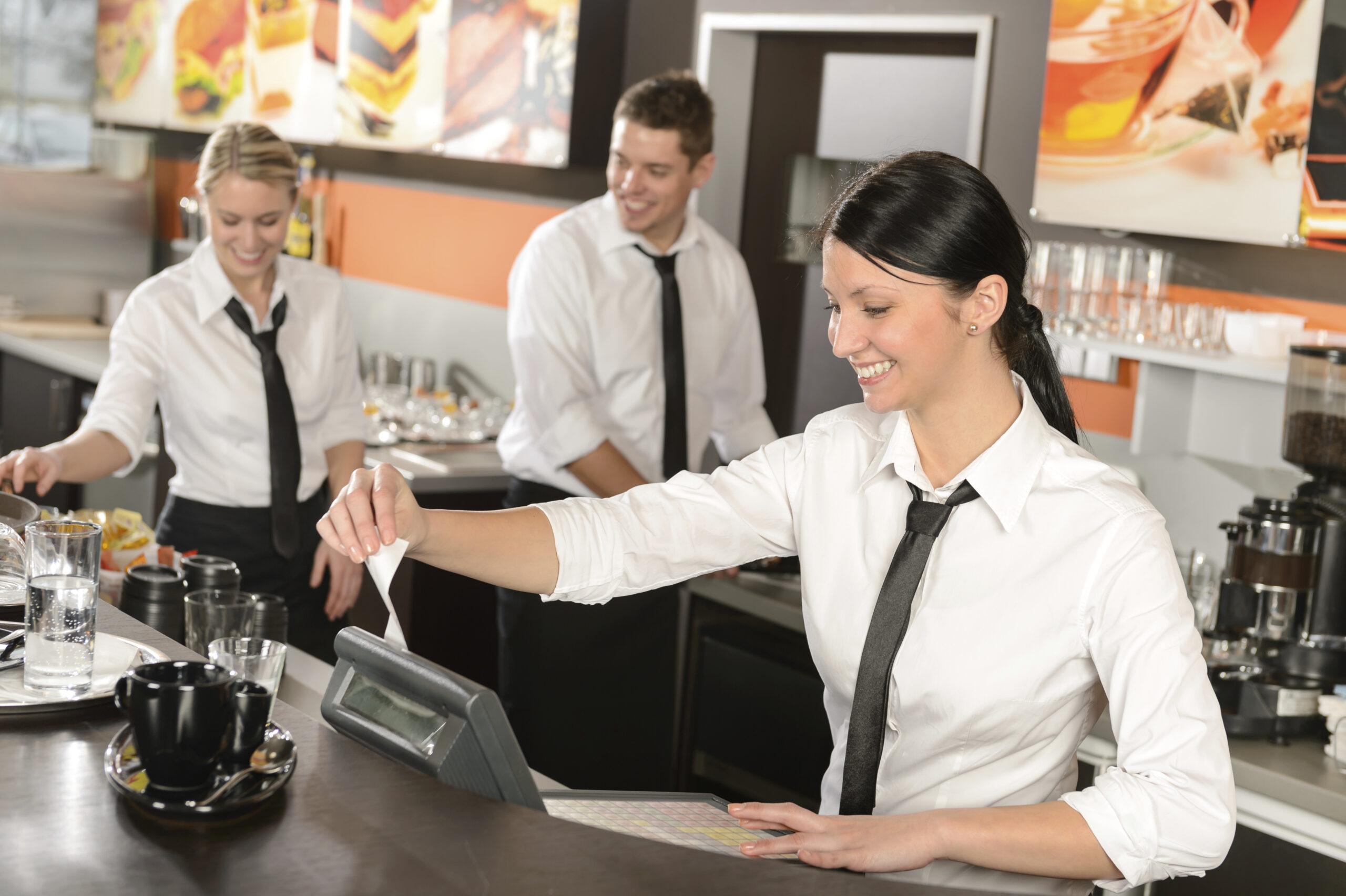 La hostelería de Madrid facturó en 2020 la mitad que el año anterior - La Viña
