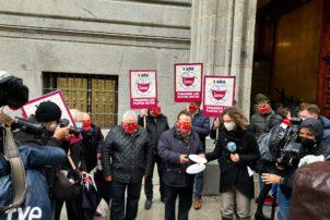 La Hostelería protesta frente al Ministerio de Hacienda reclamando las ayudas que no llegan a las empresas - Hostelería Madrid