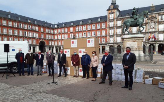 Hostelería Madrid entrega las primeras cajas de menaje donado para comedores sociales - La Viña