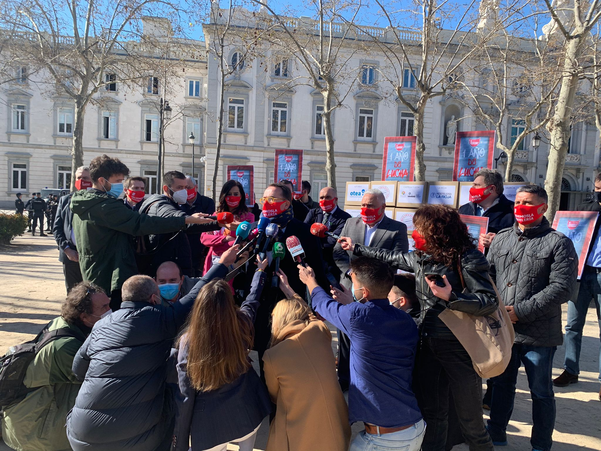 Hostelería Madrid participa en la protesta ante el Supremo - La Viña