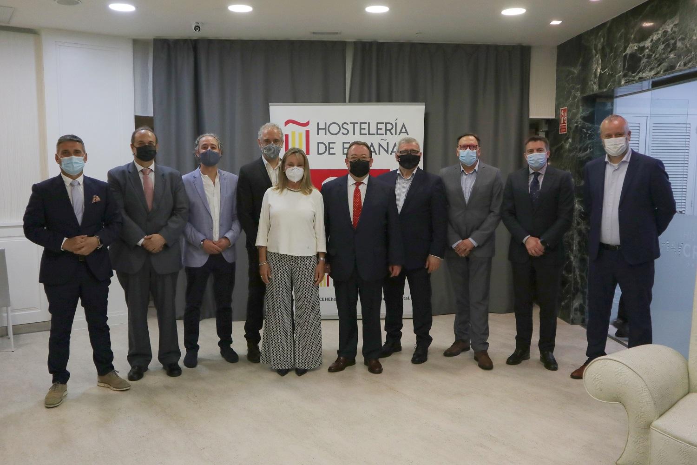 José Luis Yzuel reelegido Presidente de Hostelería de España - La Viña