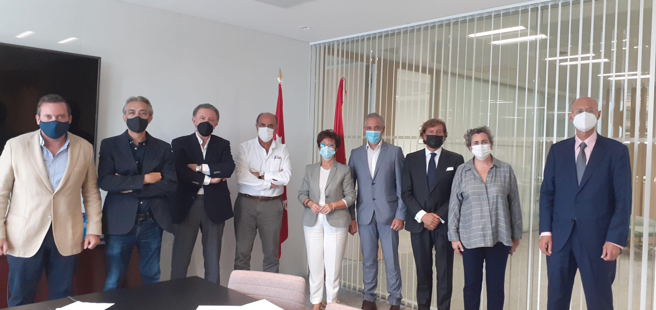 Hostelería Madrid se reúne con el viceconsejero de sanidad para solicitar la reducción e la distancia de 1,5m a 1,2m en hostelería - La Viña